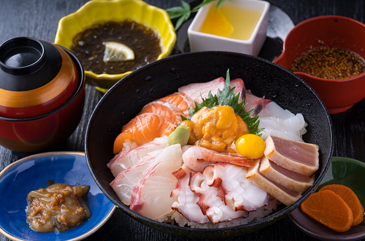うに海鮮丼